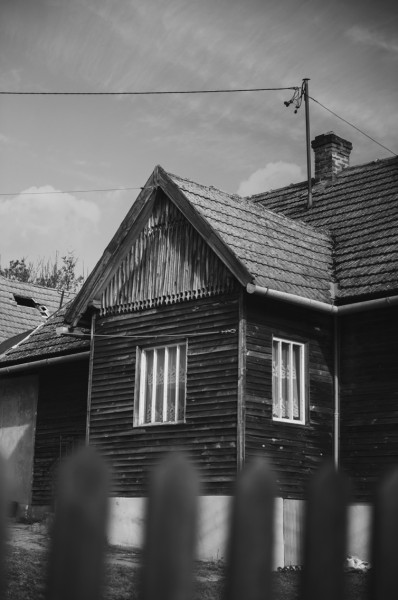 fot_Izabela_Słysz_Za płotem_ul_J_Kiepury